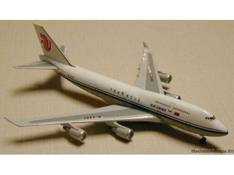 Boeing B747-400 Air China 1:400