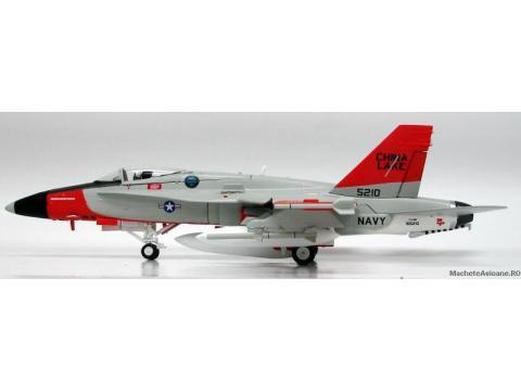McDonnell Douglas F/A-18C Hornet US NAVY Dust Devils 1:72
