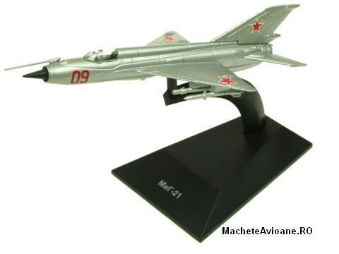 Mikoyan-Gurevich MiG-21 Russia Air Force 1:144