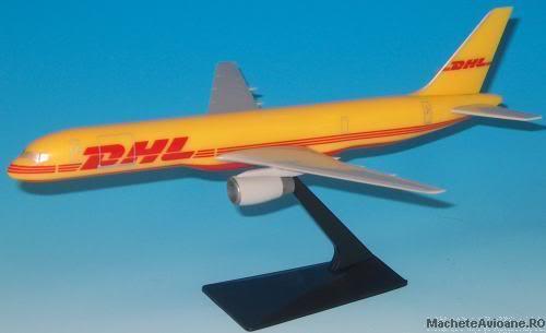 Vand machete avioane civile (multe raritati) - Pagina 2 138_209_lp757200dhl